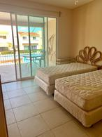 Foto Departamento en Venta en  Zona Hotelera,  Cancún  CONDO EN 2DO PISO FRENTE A PISCINA (EXCELENTE ZONA)