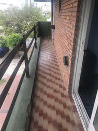 Foto PH en Alquiler en  Lanús Este,  Lanús  Blanco Encalada al 1500