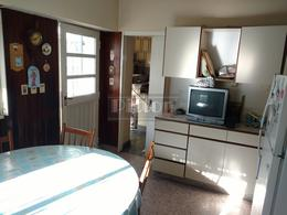 Foto Casa en Venta en  Banfield Este,  Banfield  Viamonte 1270