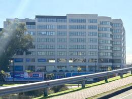 Foto Oficina en Venta en  Estudio de la Bahia,  Bahia Grande  Av del Puerto 215. Bahia Grande. Edificio Studio de la Bahia. Oficina al 200