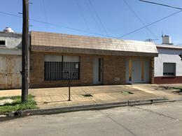 Foto Casa en Venta en  El Palomar,  Moron  El Palomar