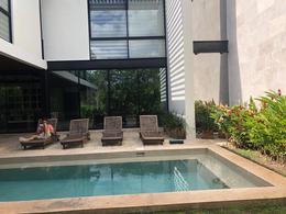 Foto Casa en Venta en  Yucatán Country Club,  Mérida  En venta residencia con increibles amenidades en el Yucatán Country Club.