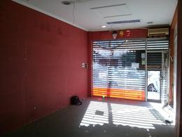 Foto Local en Alquiler en  Olivos,  Vicente Lopez  PARANA al 1400