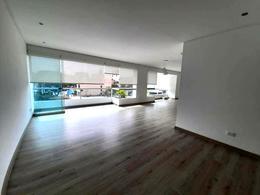 Foto Departamento en Alquiler en  Miraflores,  Lima  Calle DOS DE MAYO