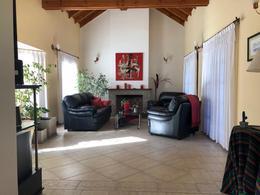 Foto Casa en Venta en  Cañuelas,  Cañuelas  Juarez al 1100
