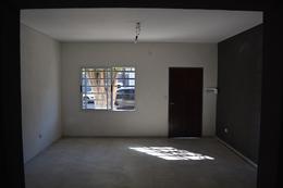 Foto PH en Venta en  Villa Pueyrredon ,  Capital Federal  Nazca al 4700 Pb