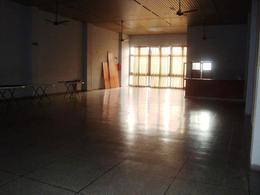 Foto Local en Venta en  La Plata ,  G.B.A. Zona Sur  2 entre 43 y 44