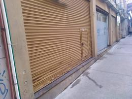 Foto Local en Alquiler en  Ciudad Vieja ,  Montevideo  Zabala al 1300