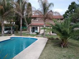 Foto thumbnail Casa en Venta en  De Vicenzo Chico,  Del Viso  Santo Domingo al 1800