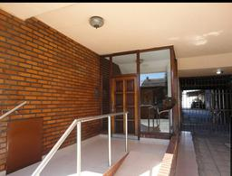 Foto Departamento en Venta en  Moron ,  G.B.A. Zona Oeste  Intendente Grant al 100