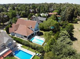 Foto Casa en Venta | Alquiler en  Saint Thomas,  Countries/B.Cerrado (E. Echeverría)  St Thomas Sur - Hermosa casa en St Thomas sur con piscina climatizada