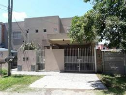Foto Casa en Venta en  De Vicenzo Grande,  Del Viso  salta  al 2000