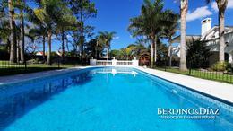 Foto Casa en Venta en  Playa Mansa,  Punta del Este  Espectacular Residencia a Pasos de la Playa Mansa