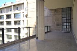 Foto Departamento en Alquiler en  Barracas ,  Capital Federal  Av. Regimiento de los Patricios y Olavarria
