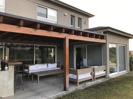 Foto Casa en Venta en  Mirador de La Tahona,  Countries/B.Cerrado (Carrasco)  Con Renta! Mirador La Tahona