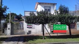 Foto Casa en Venta en  Rafael Calzada,  Almirante Brown  INTENDENTE GONZALES 1500 RAFAEL CALZADA