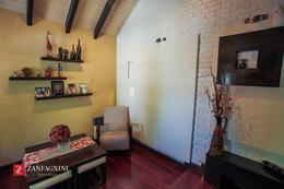 Foto Casa en Venta en  San Martin ,  Mendoza  Sargento Cabral 661