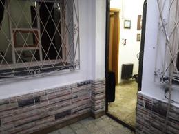 Foto PH en Venta en  Lomas De Zamora ,  G.B.A. Zona Sur  RIVERA 949 Nº3