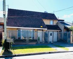 Foto Casa en Venta en  Castelar Norte,  Castelar  Cardozo al 3400