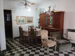 Foto Casa en Venta en  La Capital ,  Santa Fe  Uruguay 3171