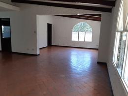 Foto Casa en Renta | Venta en  Bello Horizonte,  Escazu  Escazú/ Casa de uso de suelo comercial/ cerca de la principal de Escazú