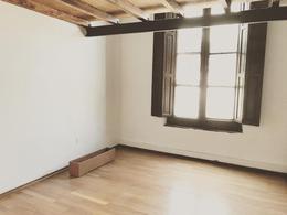 Foto Apartamento en Alquiler en  Palermo ,  Montevideo  Duplex en Isla de Flores