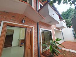 Foto Casa en Alquiler en  Madame Lynch,  Santisima Trinidad  Alquilo Duplex De 3 Dormitorios Barrio Madame Lynch