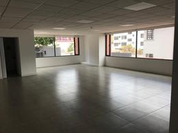 Foto Oficina en Venta | Alquiler en  González Suárez,  Quito  12 De Octubre, junto el Club La Unión