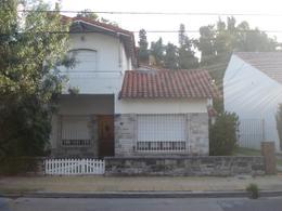 Foto Casa en Venta en  Adrogue,  Almirante Brown  MARTIN RODRIGUEZ 568