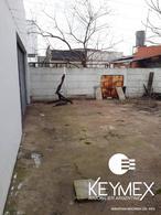 Foto Galpón en Venta en  La Plata,  La Plata  142 e/ 43 y 44