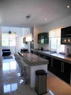 Foto Casa en Venta en  Playa del Carmen ,  Quintana Roo  Propiedad de 2 departamentos, Jacuzzi privado, alberca, centro P2347
