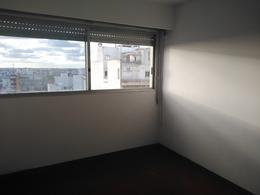Foto Apartamento en Venta en  Centro (Montevideo),  Montevideo  18 de Julio al 1200