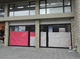 Foto Local en Alquiler en  Centro,  San Carlos De Bariloche  San Martin al 400 Locales 1 y 2