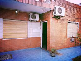 Foto Casa en Venta en  Villa Santos Tesei,  Hurlingham  Villa Tesei Gran oportunidad