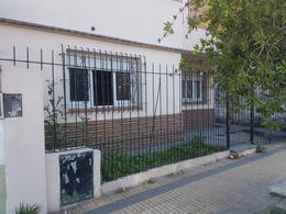 Foto Casa en Venta en  Remedios De Escalada,  Lanús  Magallanes al 1100