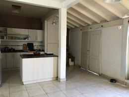 Foto Casa en Venta en  Villa Santos Tesei,  Hurlingham  Alvarez Rodriguez al 600
