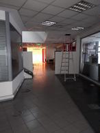 Foto Local en Alquiler en  Piñeyro,  Avellaneda  Av. Hipólito Yrigoyen 2101