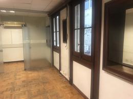 Foto Apartamento en Venta   Alquiler en  Centro (Montevideo),  Montevideo  18 de Julio esq Ejido - Ideal oficinas