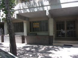 Foto Local en Alquiler en  Macrocentro,  Rosario  PUEYRREDON al 1200