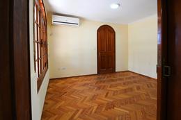Foto Casa en Venta en  San Lorenzo,  San Lorenzo  Urquiza 245