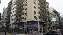 Foto Departamento en Alquiler en  Recoleta ,  Capital Federal  Semi piso en Parana al 1000 3 amb con dependencia de servicio