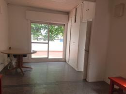 Foto PH en Venta en  Villa Pueyrredon ,  Capital Federal  Griveo al 3100