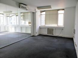 Foto Oficina en Alquiler en  Monserrat,  Centro (Capital Federal)  Av. Belgrano al 600