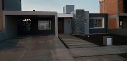 Foto Casa en Venta en  Villa Allende,  Cordoba Capital   Casa en  Comarca de Allende , Villa Allende
