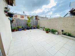 Foto Casa en Venta en  Berisso ,  G.B.A. Zona Sur   Av. Montevideo e/31 y 32