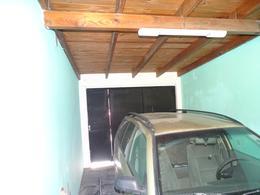 Foto Casa en Venta en  Barrio Jardin,  La Plata  97 num al 500