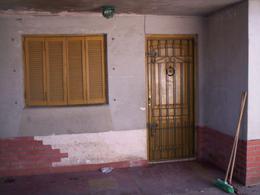 Foto PH en Venta en  Lanús Este,  Lanús  PICHINCHA AL al 2700