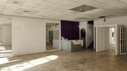 Foto Local en Alquiler | Venta en  S.Isi.-Centro,  San Isidro  25 DE MAYO al 300
