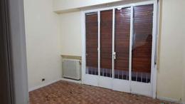 Foto Casa en Venta en  Flores ,  Capital Federal  TERRADA 800