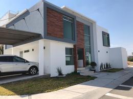 Foto Casa en Venta en  Fraccionamiento Zibatá,  El Marqués  Venta de casa nueva en condominio Zibatá, Querétaro…Clave  3516